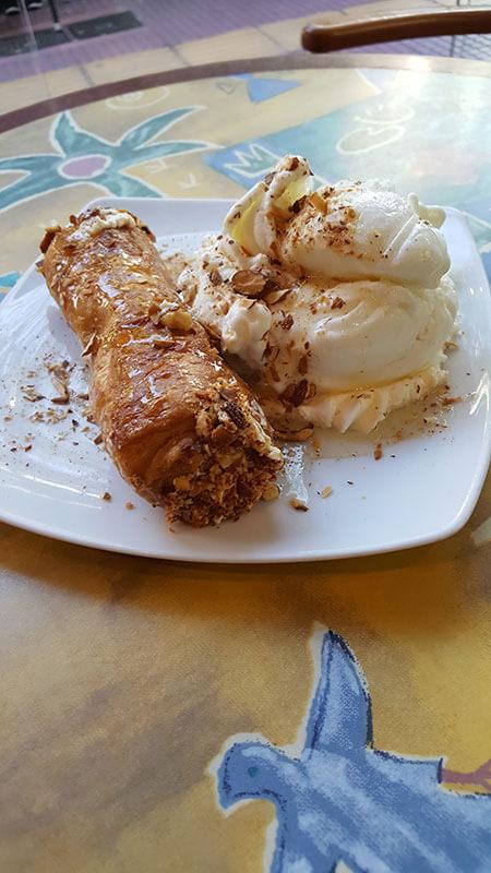 Γλυκό με Παγωτό